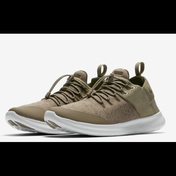 Nike free RN commuter olive green